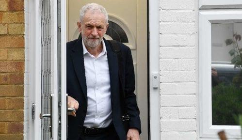 Britanski Laburisti prihvataju vanredne izbore, natezanje oko datuma 3