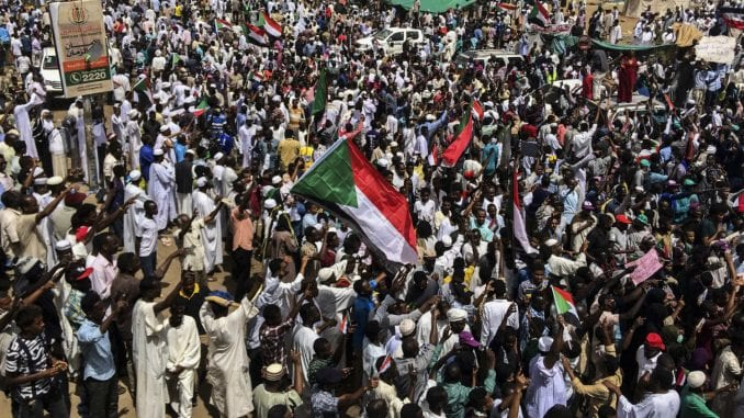 Sudanci traže lustraciju 1