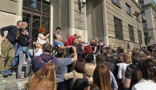 VKS obustavio oduzimanje stanova dužnicima u francima 8