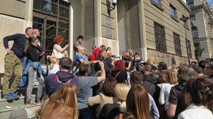 VKS obustavio oduzimanje stanova dužnicima u francima 4