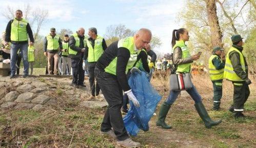 Akcija čišćenja obale Dunava i Save u Beogradu 15