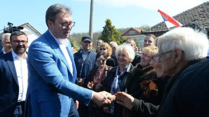 """Vučić: Ne čitam """"Danas"""", na mitinzima SNS nema rulje 2"""