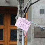 Lideri opozicije odneli ogradu sa Trga pred Gradsku skupštinu (VIDEO, FOTO) 6
