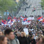Lideri opozicije odneli ogradu sa Trga pred Gradsku skupštinu (VIDEO, FOTO) 5