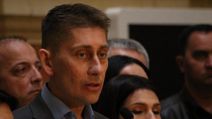 Martinović i Božić otpočeli štrajk glađu kao odgovor na štrajk lidera Dveri 1