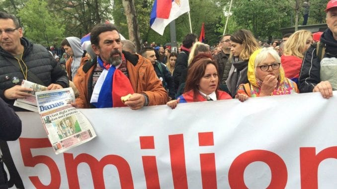 """Kako su građani pristizali na protest """"Svi kao jedan -1 od 5 miliona""""? 3"""
