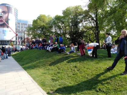 Završen miting SNS u Beogradu, bez procene MUP o broju okupljenih (FOTO, VIDEO) 15