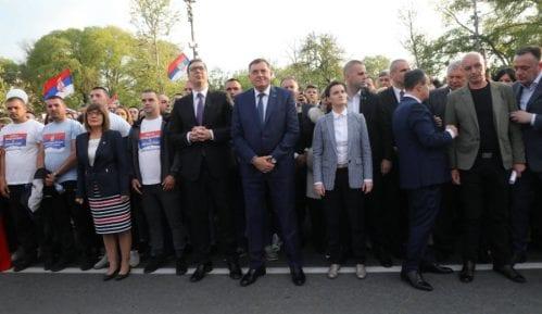 Sijerto na mitingu SNS: Srbija je jaka, nisu zanemareni nacionalni interesi 15