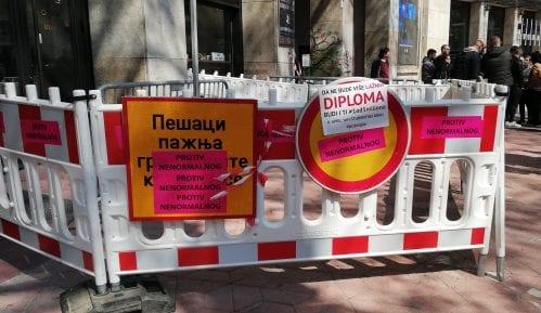 SZS uklonio ograde iz Kolarčeve i postavio ih pred REM (FOTO, VIDEO) 14