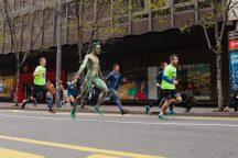 Ko je momak o kome su svi pričali na maratonu (FOTO) 3