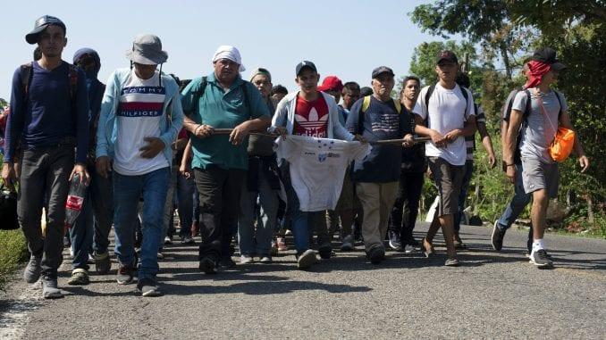 Oko 1.000 kubanskih migranata na granici između Meksika i SAD 3