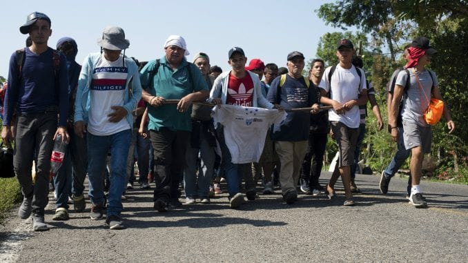 Stotine migranata vraćeno sa granice 4