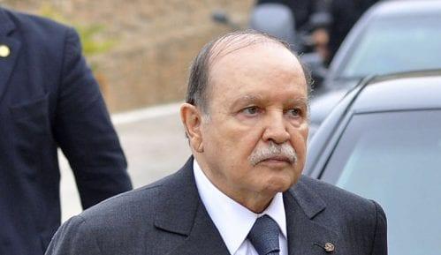 Buteflika u oproštajnom pismu naciji uputio izvinjenje Alžircima 4