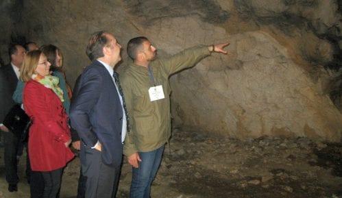 Počela letnja turistička sezona u Potpećkoj pećini kod Užica 9
