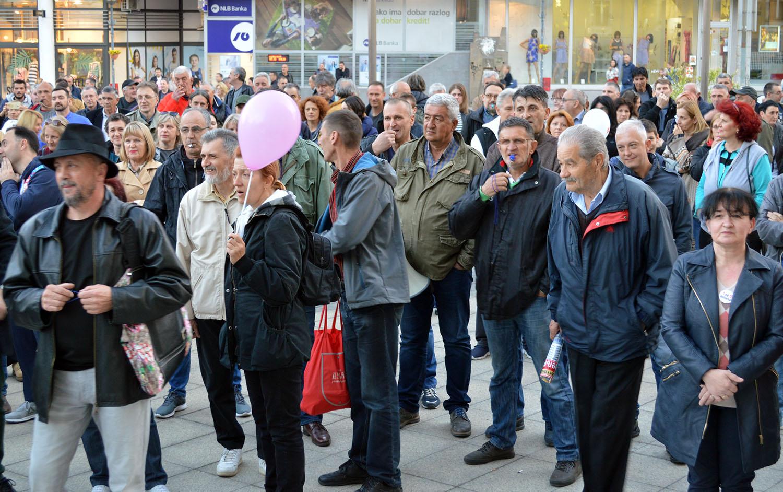 """Protesti """"1 od 5 miliona"""" u više gradova i opština (FOTO, VIDEO) 2"""