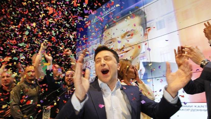 Izlazna anketa: Ubedljiva pobeda Zelenskog na predsedničkim izborima u Ukrajini 3