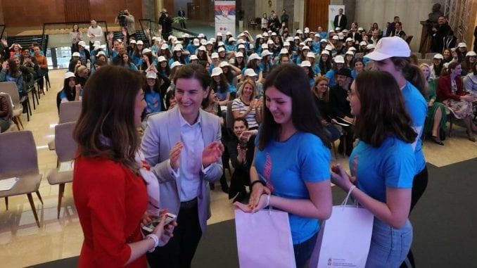 Brnabić: Srbija lider u Evropi po broju devojaka u IKT sektoru 1