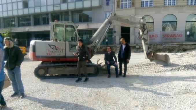 Predstavnici opštine Stari grad zaustavili radove na Trgu republike (VIDEO) 3