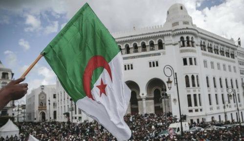 U Alžiru desetak demonstranata privedeno na skupu protiv vlasti 4