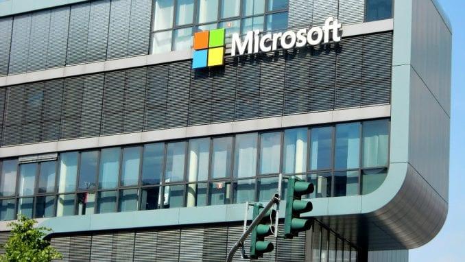Microsoft ulaže milijardu dolara u veštačku inteligenciju 3