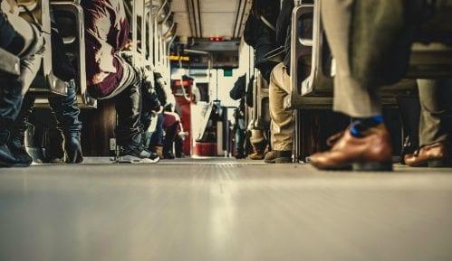 Građani Srbije u proseku sede pet sati dnevno 11