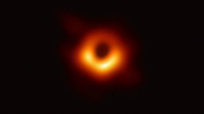 Crna rupa upravo onakva kako su je astronomi zamišljali 3