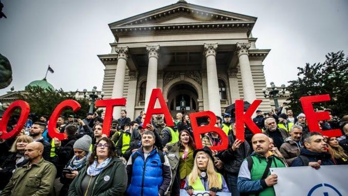 """Procena opozicije - 35.000 ljudi na protestu """"1 od 5 miliona"""" (FOTO, VIDEO) 3"""