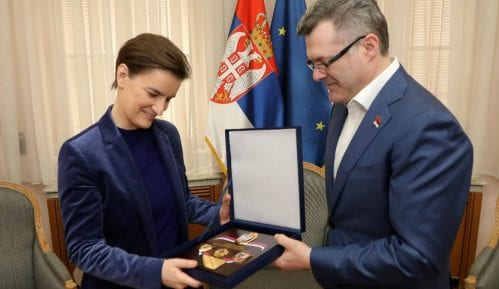 Ani Brnabić plaketa Odbora za kontrolu službi bezbednosti Narodne skupštine 13