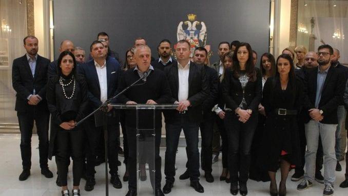 Vesić: Hrabri odbornici SNS-a sprečili državni udar 1