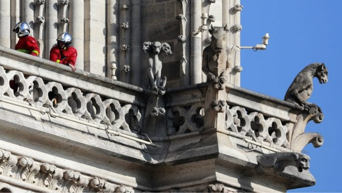 Rektor Notr Dama: Katedrala možda neće biti sačuvana u potpunosti 5