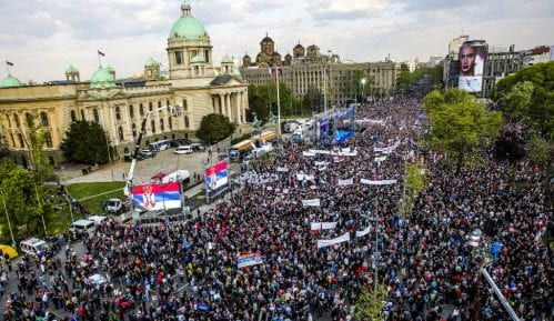 Završen miting SNS u Beogradu, bez procene MUP o broju okupljenih (FOTO, VIDEO) 13
