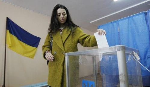 U Ukrajini otvorena biračka mesta za drugi krug predsedničkih izbora 4