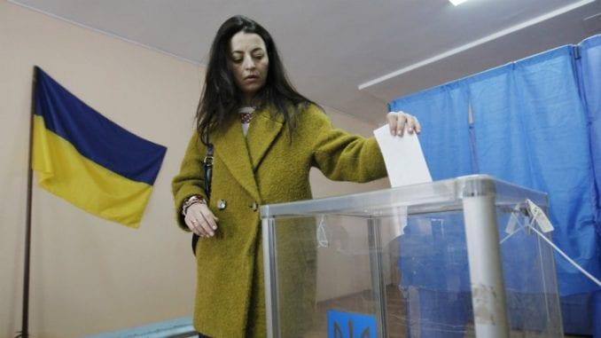 U Ukrajini otvorena biračka mesta za drugi krug predsedničkih izbora 3