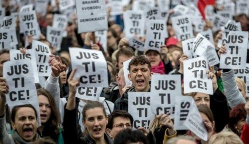 Stotine Čeha na protestu branilo pravosuđe 5