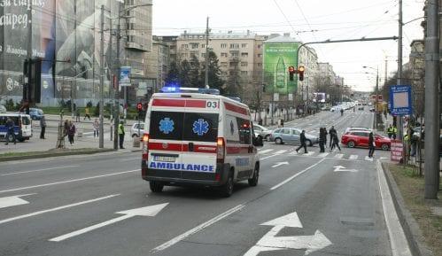 Prevrnuo se auto na Novom Beogradu, četiri osobe povređene 5