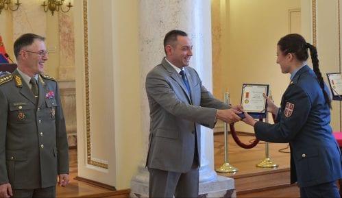 Pripadnicima Vojske uručena priznanja i nagrade povodom Dana Vojske 9