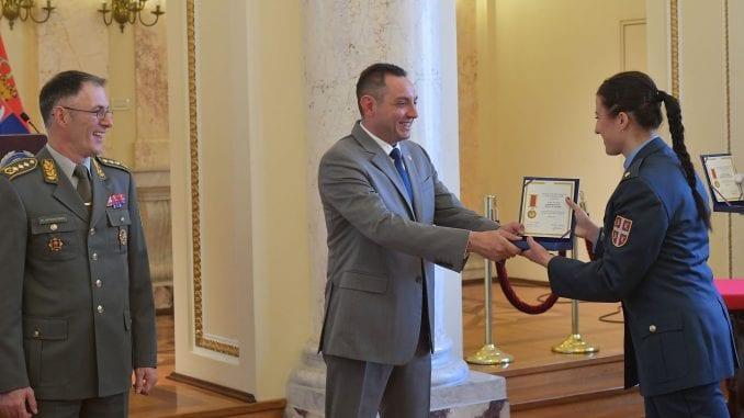 Pripadnicima Vojske uručena priznanja i nagrade povodom Dana Vojske 1