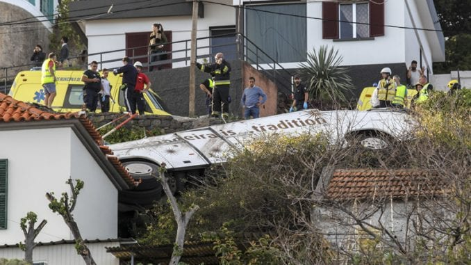 Turistički autobus sleteo s puta na Madeiri, poginulo 28 osoba 3