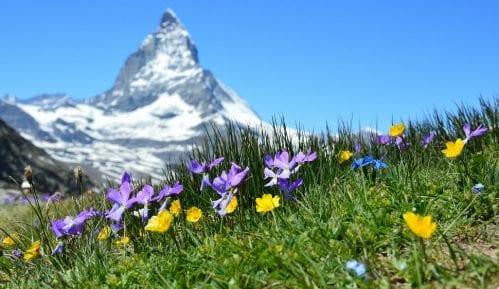 Ukinuta uzbuna u italijanskim Alpima, glečer se nije raspao i survao na kuće 1
