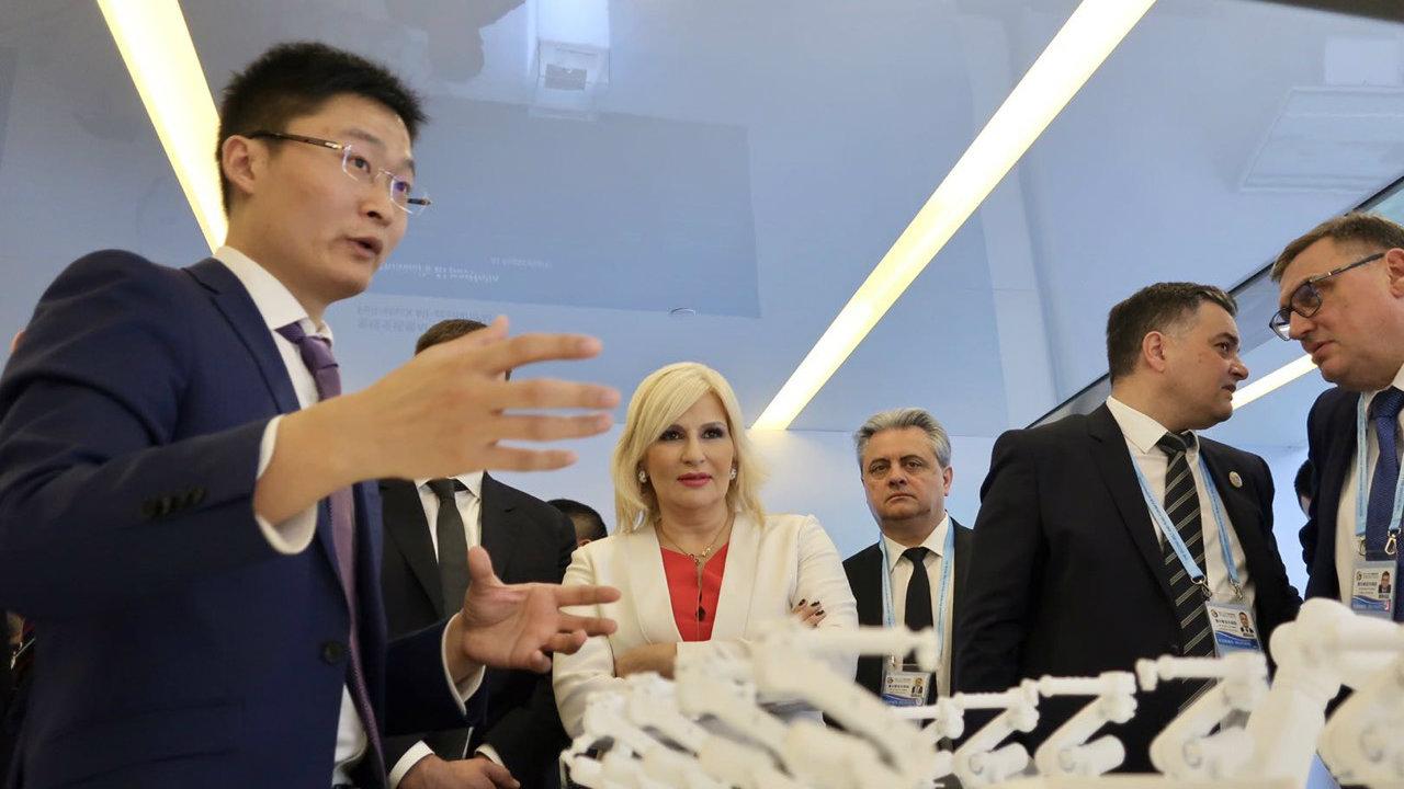 Mihajlović u poseti Huaveju - o uvođenju pametnih tehnologija na srpske puteve 1