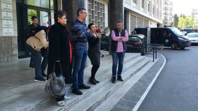 Novinari protestovali ispred Tužilaštva za visokotehnološki kriminal (VIDEO) 1