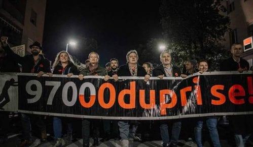 Na protestu pokreta Odupri se zatražena ostavka menadžmenta RTCG 15