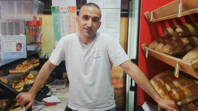 "Vlasnik pekare ""Roma"" u Borči 3. maja deli besplatno pecivo sugrađanima 1"