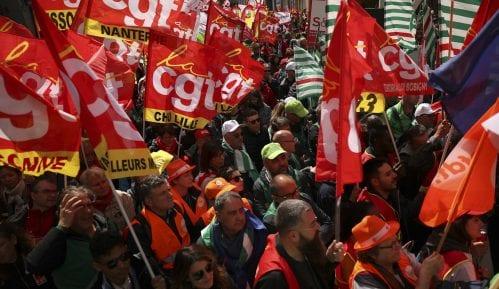 Hiljade radnika protestovale ispred sedišta EU 13