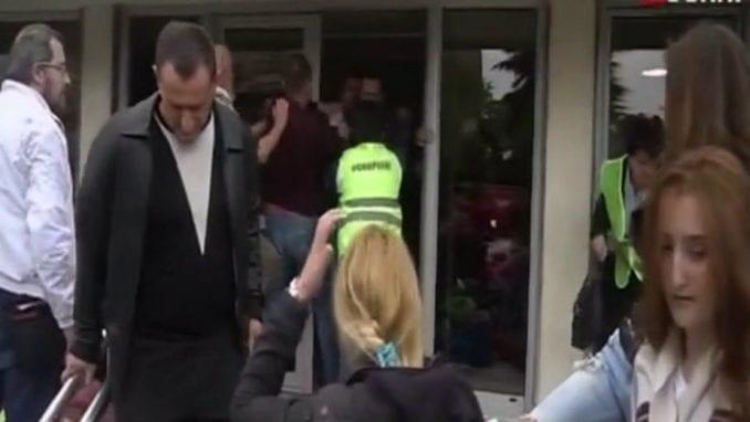 Crna Gora: Povređene dve osobe u sukobu tokom performansa, podnete prijave 3