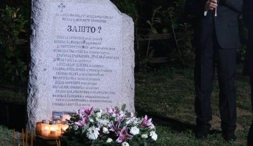 """Radomirović: Od svih novinarskih pitanja najvažnije je ono """"Zašto"""" na spomeniku 4"""