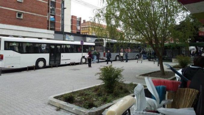 Zaječarci busevima krenuli za Požarevac da podrže Vučića 1
