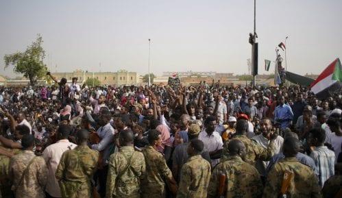 Zbacivanje al-Bašira može ugroziti mirovni sporazum u Južnom Sudanu 10