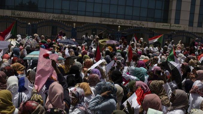 U Sudanu nastavljeni protesti ispred Generalštaba vojske 1