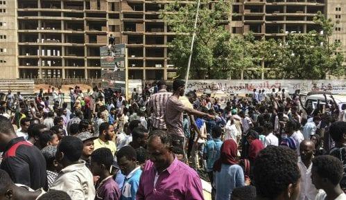Sudanska vojska naredila demonstrantima da poštuju noćni policijski čas 8